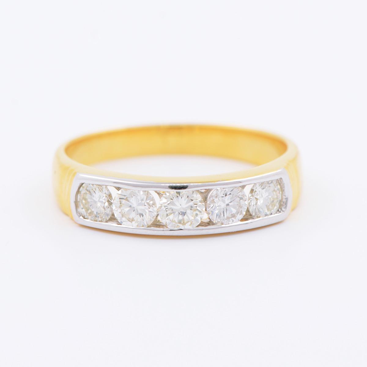 แหวนทอง 18 k ฝังเพชร